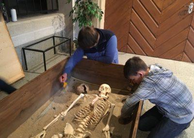 Škola mladých archeologů